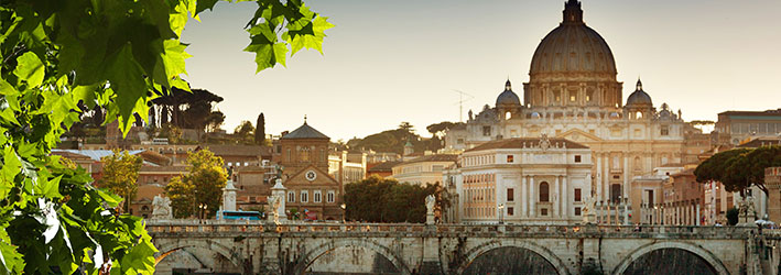 http://www.hotelnerds.it/wp-content/uploads/2015/07/roma_degrado_turismo.jpg